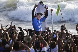 Mick Fanning Conquers in Portugal