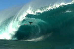 Teahupoo: Code Orange