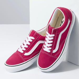 Vans Old Skool Skate Shoe - Cerise/True White